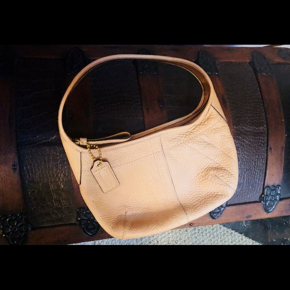Coach Handbags - Vintage Coach Bag 👜 ❤️💋 A Unicorn Beauty!!!